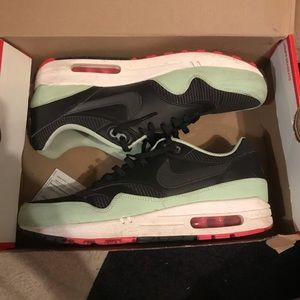 Air max 90s yeezy color way 9.5
